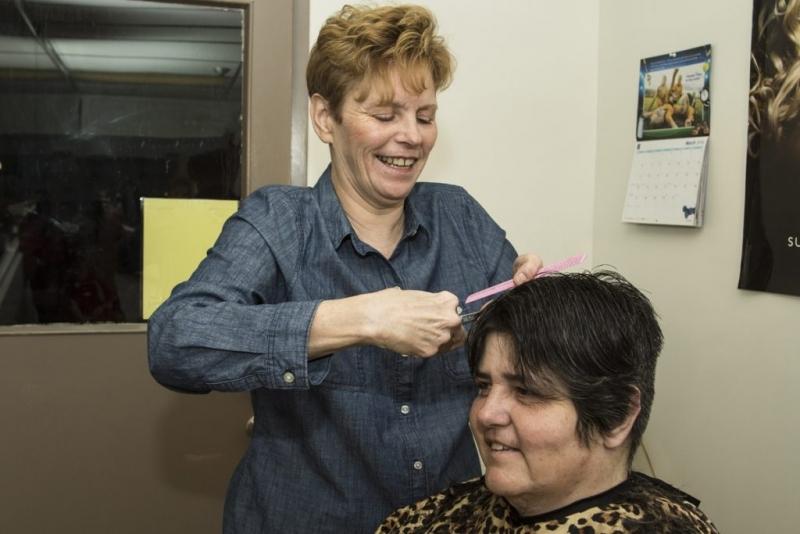 Hair-dresser-at-the-Gate-1024x683